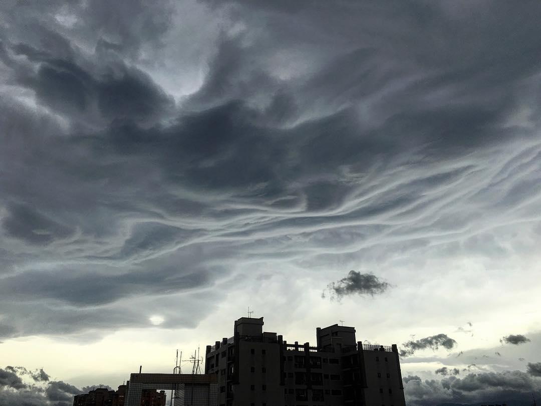 Apocalyptical Asperatus Undulatus Darken The Skies Of Hong