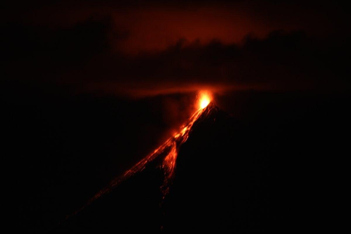fuego volcano, fuego volcano eruption, fuego volcano eruption pictures, fuego volcano eruption sept 27, fuego volcano explosion video