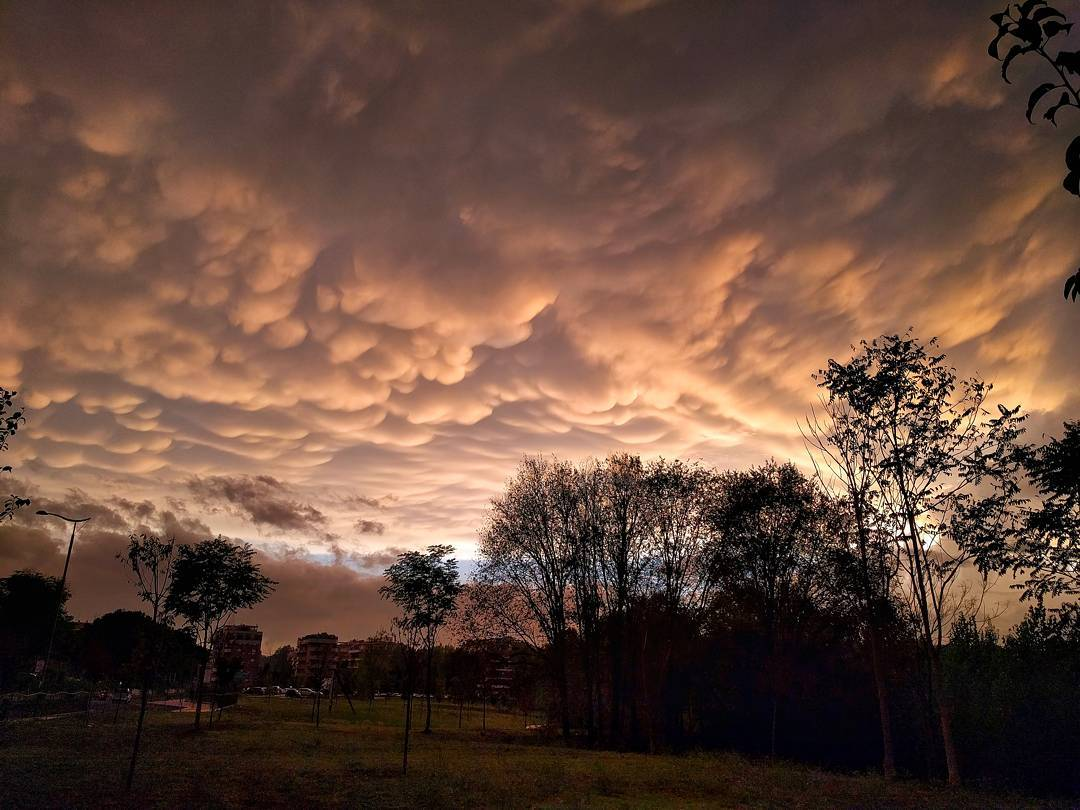 mammatus, mammatus rome, mammatus rome sunset, mammatus clouds rome sunset september 17 2016