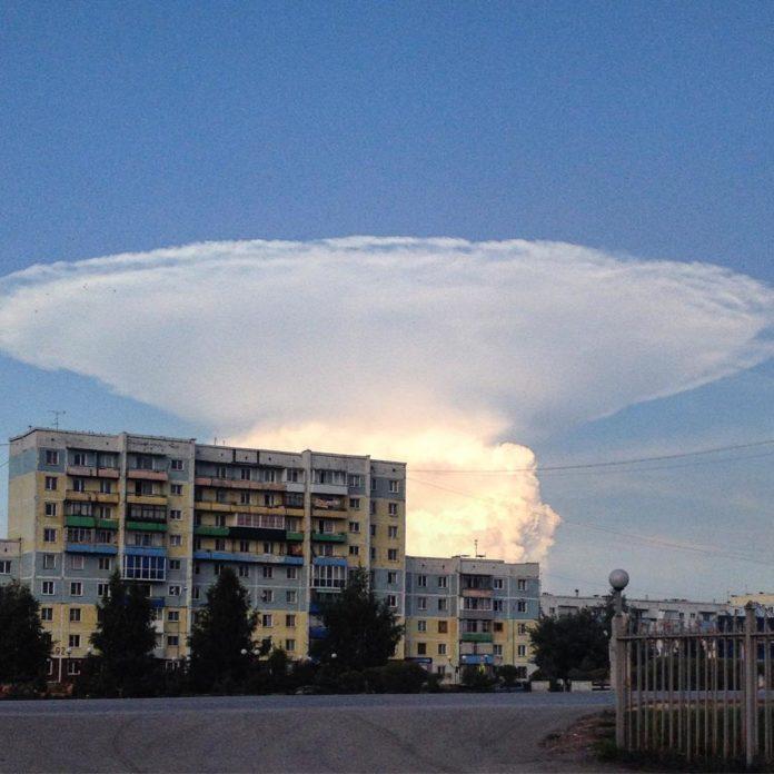 anvil, anvil cloud, nuclear bomb anvil cloud, clouds looking like nuclear bomb, mushroom cloud, mushroom cloud pictures