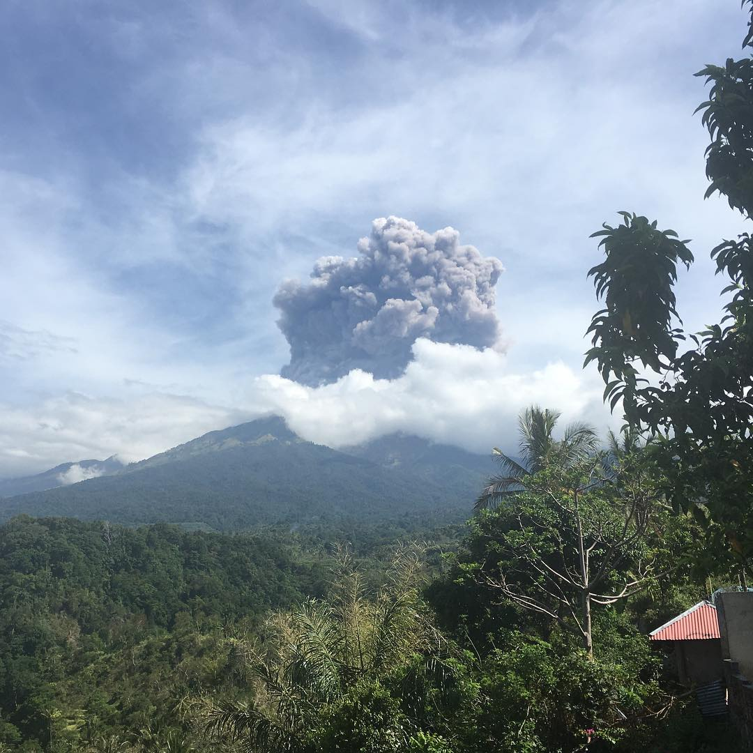 rinjani, rinjani eruption september 27 2016, rinjani eruption, rinjani eruption indonesia, rinjani eruption lombok, rinjani eruption september 27 2016