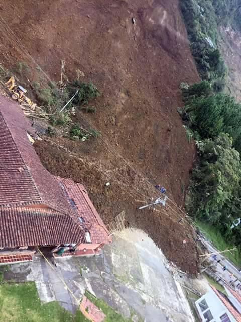 colombia landslide, colombia landslide blocks bogota-medellin highway, landslide highway medellin bogota colombia, derrumbe autopista medellin bogota, colombia landslide pictures, colombia landslide videos, colombia landslide october 2016