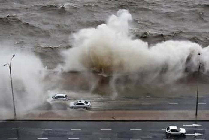 cyclone uruguay giant waves montevideo