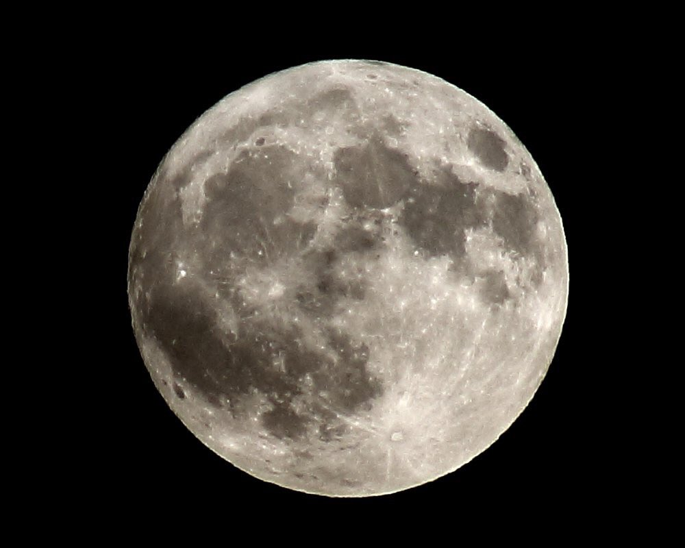 2016 Ends with Three Supermoons, 3 supermoons 2016, end 2016 three supermoons, 2016 will end up with 3 supermoons, supermoon november 2016, extre supermoon november 2016, december 2016 supermoon