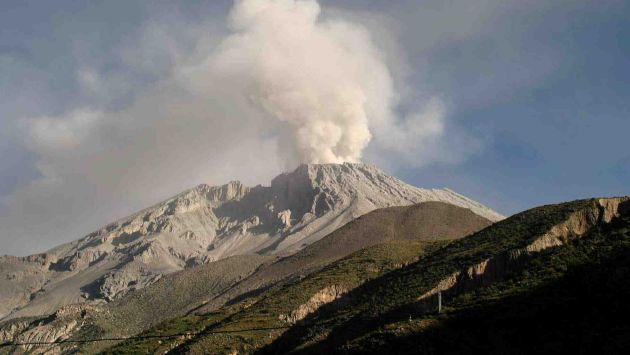 Sabancaya and Ubinas volcanoes erupt simultaneously peru, Sabancaya and Ubinas volcanoes erupt simultaneously peru video, Sabancaya and Ubinas volcanoes erupt simultaneously peru pictures