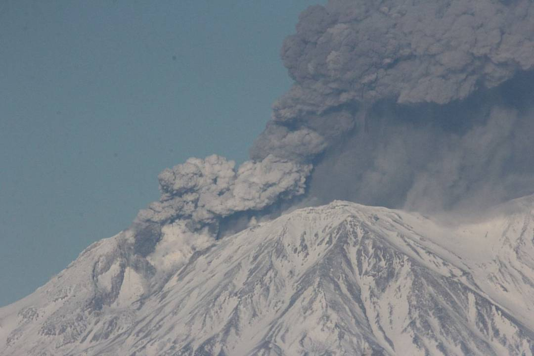 Zhupanovsky volcano, Zhupanovsky volcano eruption, Zhupanovsky volcano eruption november 2016, Zhupanovsky volcano november 20 2016