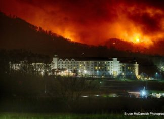 gatlinburg fire, fire gatlinburg, gatlinburg fire tennessee, gatlinburg fire pictures, gatlinburg fire videos, gatlinburg fire news, gatlinburg fire update