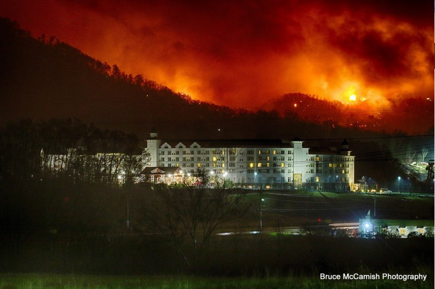 gatlinburg fire, fire gatlinburg, gatlinburg fire tennessee, gatlinburg fire pictures, gatlinburg fire videos, gatlinburg fire news, gatlinburg fire update