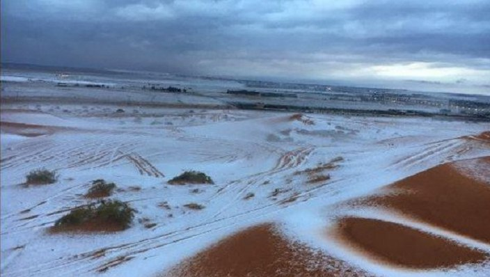 saudi arabia snow, snow saudi arabia, saudi arabia snow storm, anomalous snow saudi arabia, snow saudi arabia november 2016