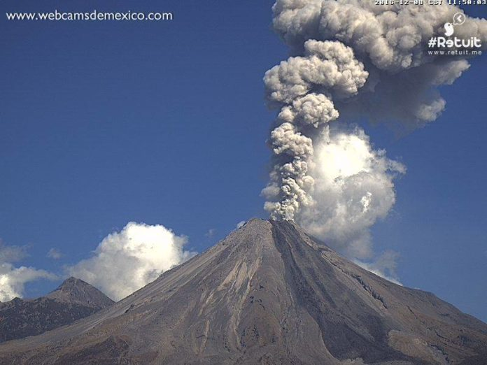 colima, colima volcano, colima volcano eruption, colima volcano eruption december 2016, colima volcano eruption video