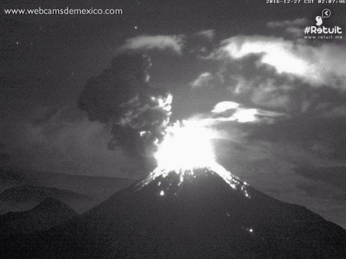 Colima eruption on December 27, 2016.