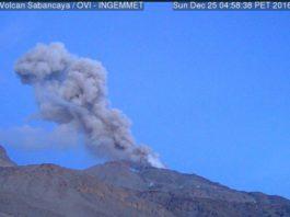 Sabancaya eruption on Christmas Day 2016, sabancaya volcano peru, volcano eruption, volcanic eruption