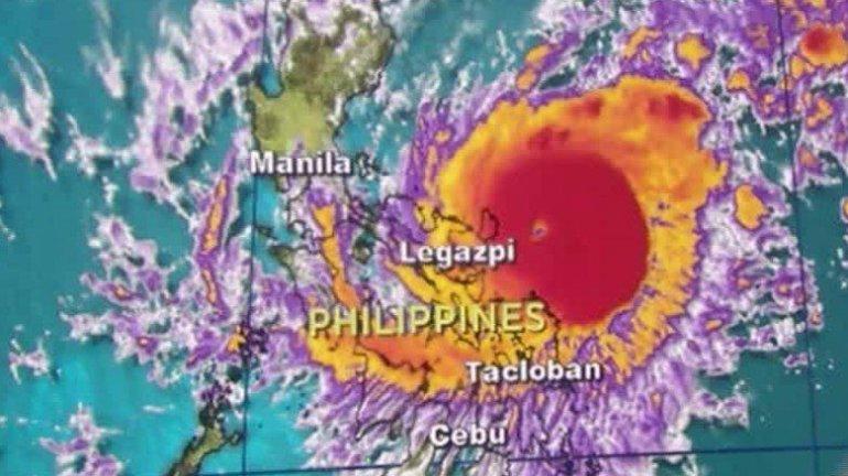 typhoon nock-ten philippines christmas landfall, nock-ten, nock ten video landfall, nock-ten philippines christmas, christmas Nock-Ten typhoon video