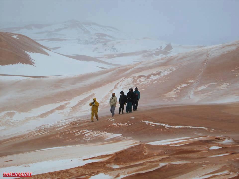 algeria snow, snow algeria, snow algeria 2017, snow covers desert 2017, anomalous snow algeria dersert 2017