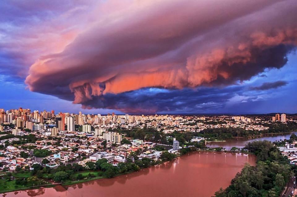 brazil, brazil shelf cloud, brazil shelf cloud january 2017, shelf cloud brazil, apocalyptical shelf cloud engulfs brazil, brazil shelf cloud january 2017