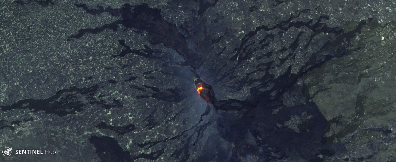 Overflows of the lava lake between 18 and 19 January 2017 at Erta Ale - image Sentinel Hub 19.01.2017