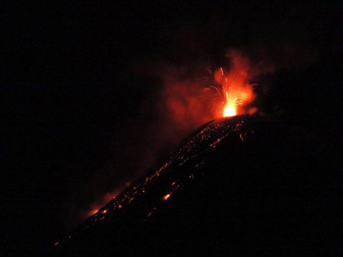 reventador volcano, volcano news, volcanic eruption january 2017, volcano update 2017, eruptions around the world 2017