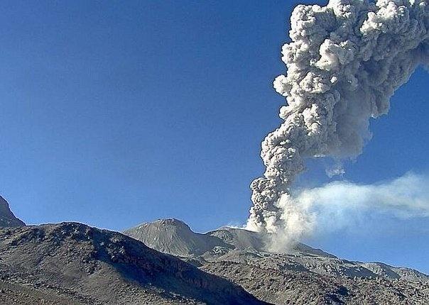 sabancaya, sabancaya volcano, sabancaya eruption, sabancaya eruption january 2017