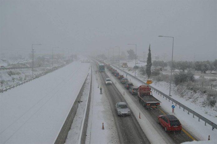 snow greece, greece snow, snow greece january 2017, snow greece january 2017 pictures, snow greece january 2017 videos
