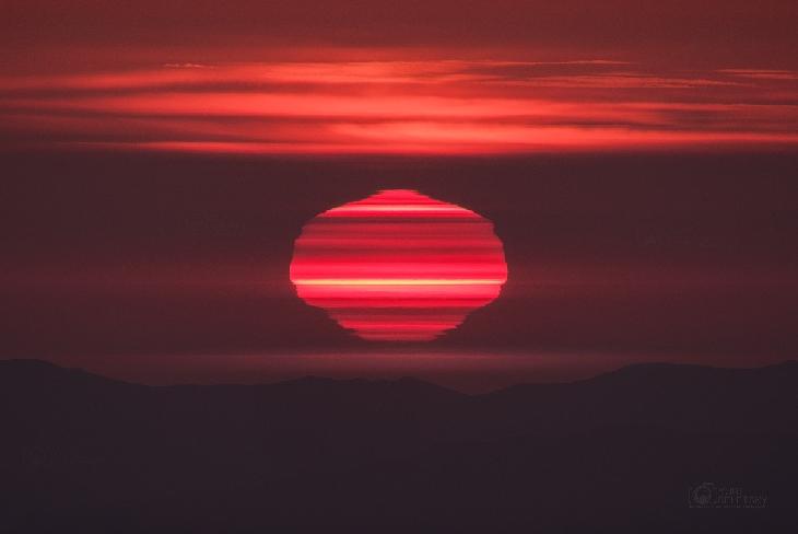 soleil tulipe, meilleure image du soleil, de l'image du soleil, image étonnante de soleil, Freaky soleil tulipe photographié dans le désert d'Atacama par Yuri Beletsky le 18 Janvier, 2017 Chili, image étonnante de soleil
