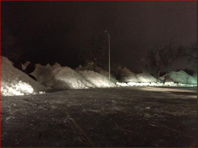 tsunami de glace, le tsunami de glace février 2017, le tsunami de glace Fond du Lac Yacht Club, shove de glace au large du lac Winnebago à Lakeside Park à Fond du Lac, Wisconsin le 24 Février, 2017