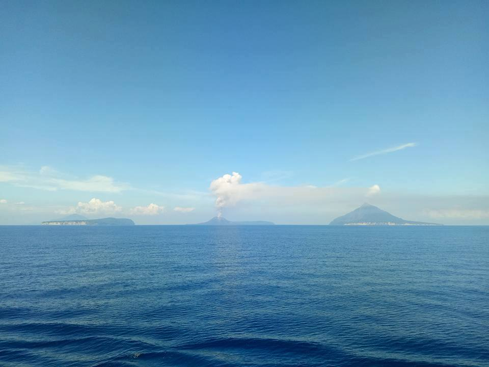 krakatau eruption february 2017, anak krakatau eruption february 2017, krakatau eruption february 20 2017, krakatau eruption pictures, krakatau eruption february 2017 pictures, krakatau eruption february 2017 video