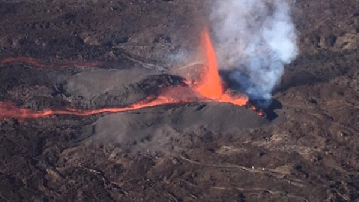 piton de la fournaise, eruption piton de la fournaise, piton de la fournaise eruption january 2017, piton de la fournaise january 2017, piton de la fournaise 2017 video, piton de la fournaise pictures 2017