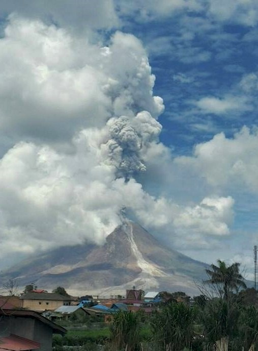 sinabung eruption, sinabung eruption february 24 2017, sinabung eruption february 2017, sinabung eruption video, sinabung eruption picture