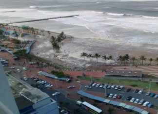 durban giant waves, durban giant waves tsunami, durban giant tusnami waves, strong winds south africa march 2017, durban giant waves march 2017 video, Durban, South Africa was hit by monster waves (tsunami) on March 12, 2017. Due to the high winds accompanying the weather anomaly, a bike race had to be cancelled! Crazy videos