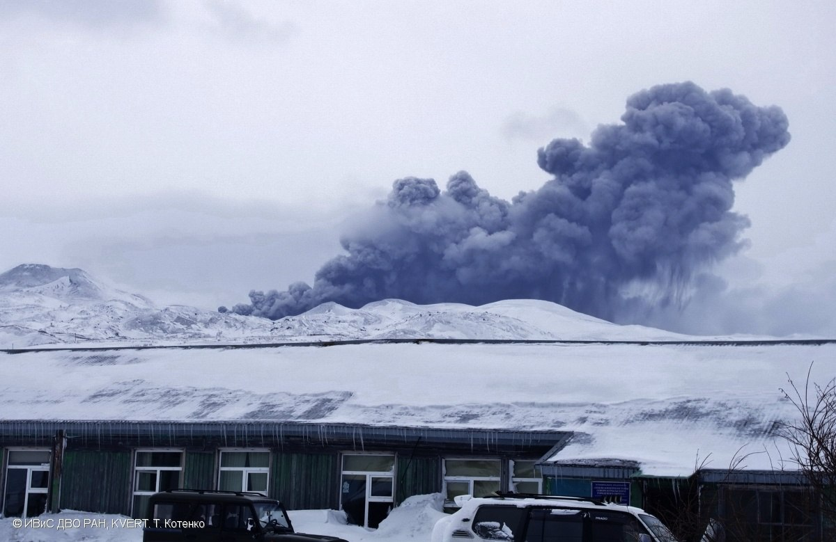 ebeko eruption, ebeko eruption february 2017, ebeko eruption pictures, ebeko eruption video