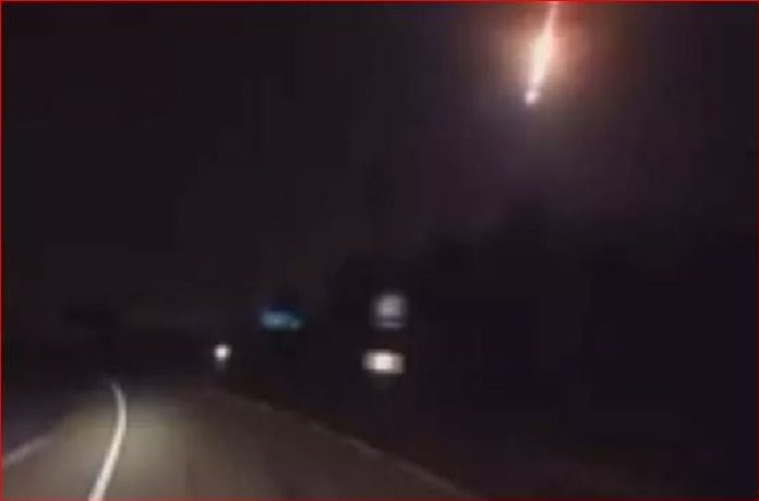 fireball pakistan video, fireball pakistan video boom march 2017, meteor explosion loud booms pakistan march 2017, fireball pakistan explosion boom, fireball pakistan, fireball pakistan march 2017 video, fireball pakistan march 2017 video,