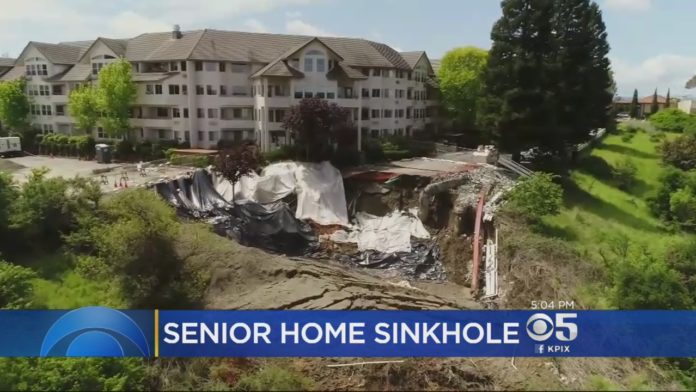 Huge Sinkhole Opens Behind Pinole Retirement Home. giant sinkhole san francisco, giant sinkhole pinole, pinole sinkhole video