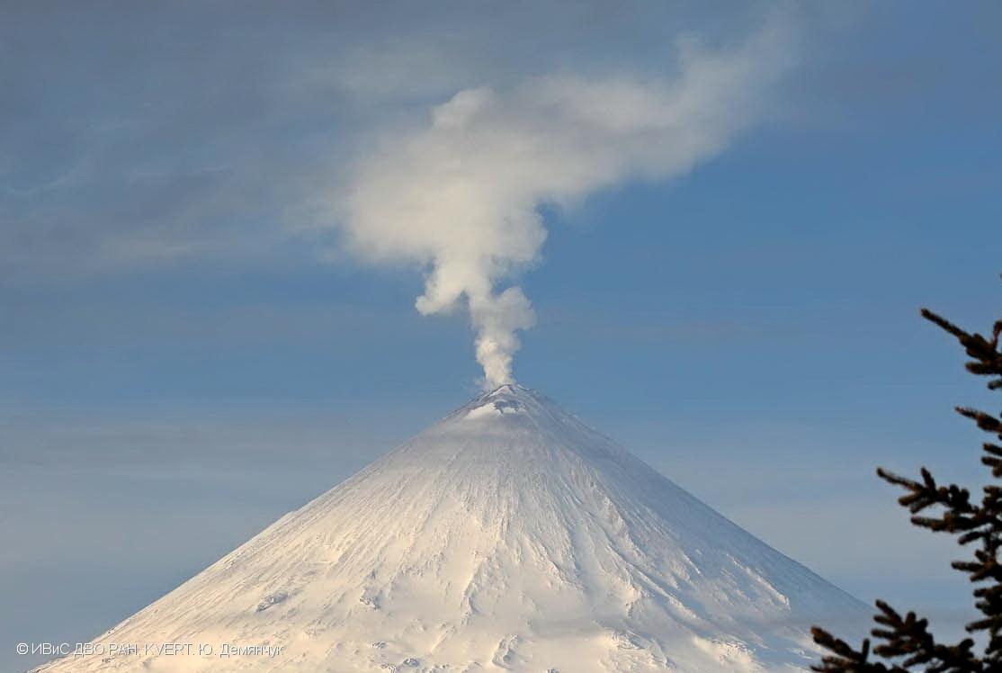 Klyuchevskoy volcanic eruption april 2017, fuego volcano eruption april 2017, reventador volcano eruption april 2017, poas volcano, poas volcano eruption, poas volcano eruption april 2017