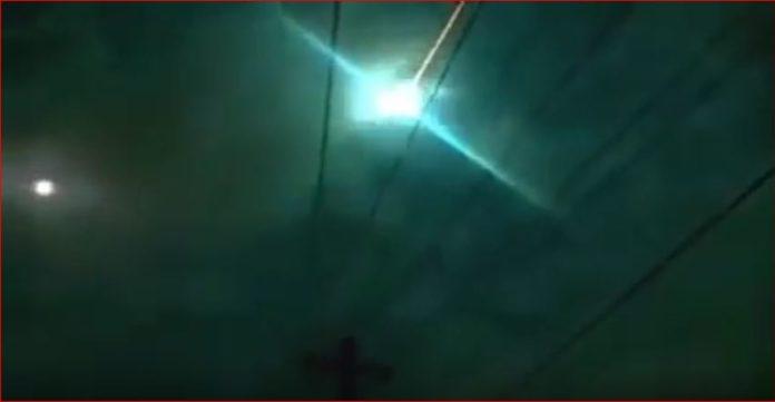 fireball mexico video ufo april 2017, ufo mexico video, fireball video mexico april 2017, Bola de fuego pasa por los cielos de San Luis Mexicali Tijuana y Ensenada