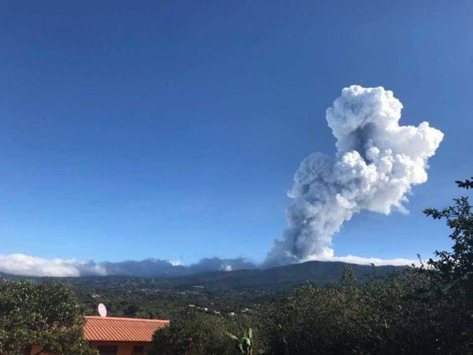 poas eruption, poas eruption video, poas eruption picture, poas eruption april 2017 photo video