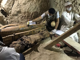 newly discovered burial site in Minya, Egypt May 13, 2017, 17 intact mummies egypt, 17 intact mummies egypt newl discovered, 17 intact mummies egypt may 2017, mummy egypt archeology