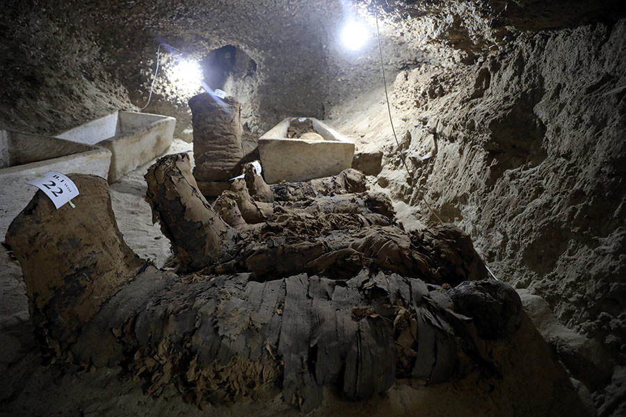 17 intact mummies egypt, 17 intact mummies egypt newl discovered, 17 intact mummies egypt may 2017, mummy egypt archeology