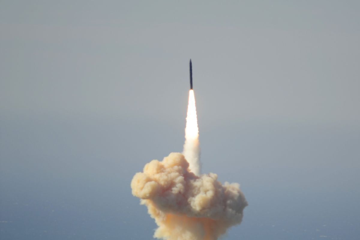 Ground-based Interceptor missile video, The flight test of a ground-based interceptor was launched from Vandenberg Air Force Base in Californiaon May 30 2017, missile launch california, missile Vandenberg Air Force Base video