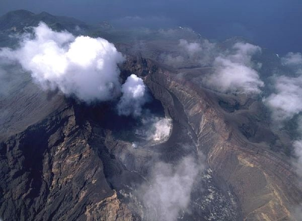 eruption Suwanosejima
