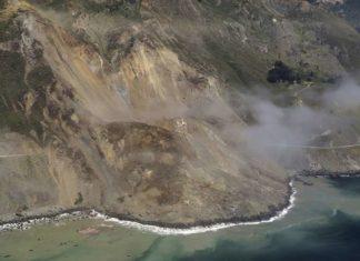 giant landslide highway 1 big sur california, big sur landslide, highway 1 landslide, huge landslide swallows up highway 1 big sur, highway 1 closed by landslide