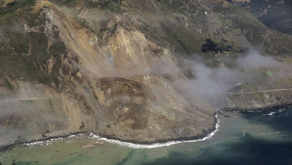 giant landslide highway 1 big sur california, big sur landslide, highway 1 landslide, huge landslide swallows up highway 1 big sur, highway 1 closed by landslide