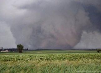 The largest tornado on record swept across Reno, Oklahoma on May 31 2017 killing famous tornado chaser Tim Samaras, largest tornado on record reno oklahoma tornado 2013, largest tornado on record reno oklahoma tornado 2013 video, largest tornado on record, reno oklahoma tornado 2013, LARGEST TORNADO EVER
