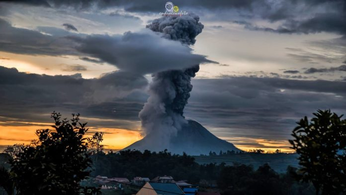 Sinabung volcanic eruption on May 24 2017, volcano eruption, may 2017 volcanic eruption, latest volcanic eruptions