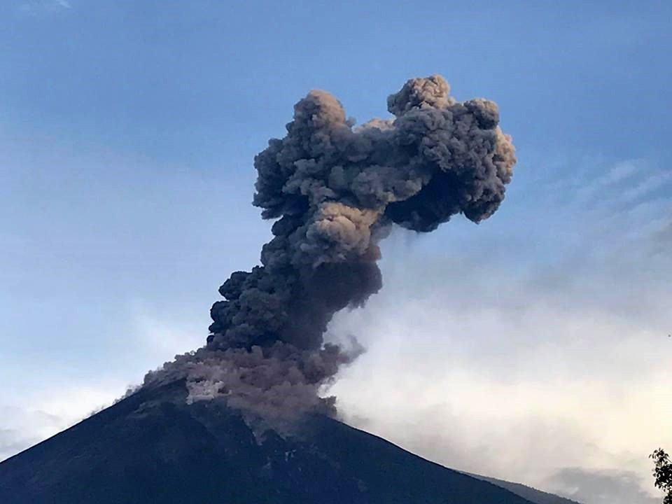 fuego eruption, fuego eruption volcano, fuego eruption june 2017 video, lahars fuego volcano june 2017