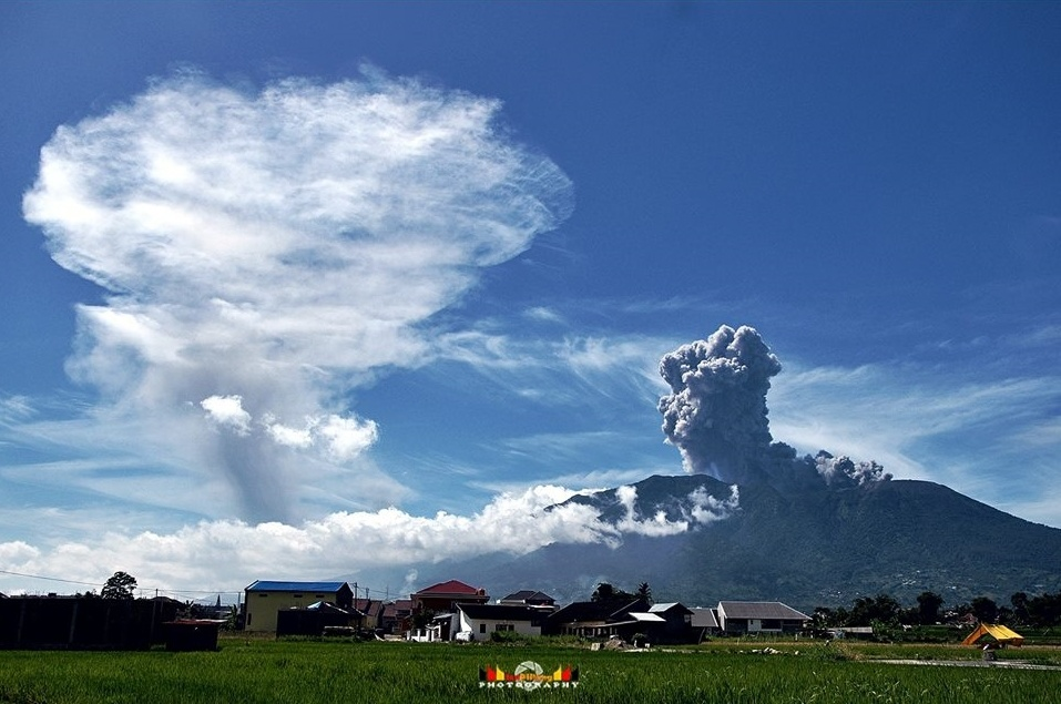marapi eruption, merapi eruption, marapi eruption june 2017 video, marapi eruption june 2017 photo