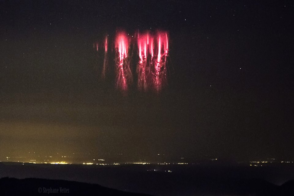red sprites english channel, red sprites english channel june 2017, red sprites english channel photo, red sprites english channel video, giant burst red sprites english channel