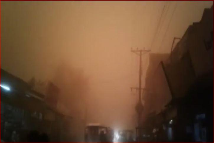 sandstorm pakistan, sandstorm pakistan video, sandstorm pakistan punjab video, khofnaq toofan in bhakkar خوفناک طوفان کی تباہ کاریاں