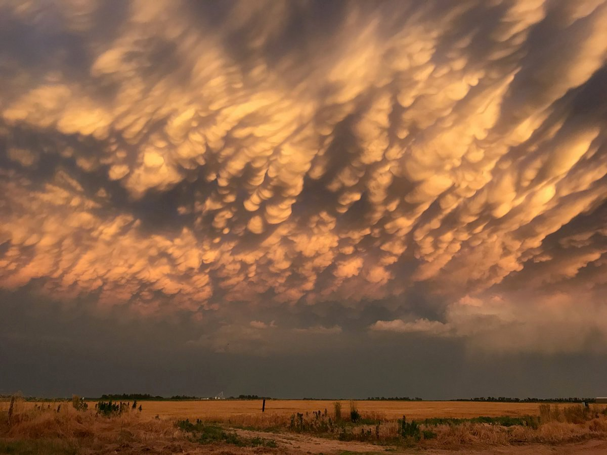 mammatus clouds Kansa June 15 2017, weaponized clouds kansas june 15 2017