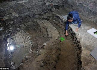 Aztecs tower of skulls, 650 skulls discovered under mexico city, Aztecs tower of skullspictures, Aztecs tower of skulls video,