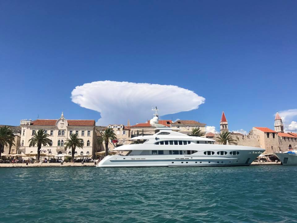atomic bomb cloud split, atomic bomb cloud split pictures, atomic bomb cloud split croatia jul 2017, atomic bomb cloud split croatia video